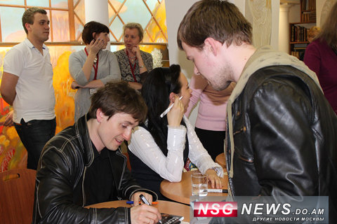 Сергей Безруков в Библио-Глобус, NSG News, 2011